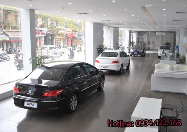 phun-suong-showroom-o-to-2