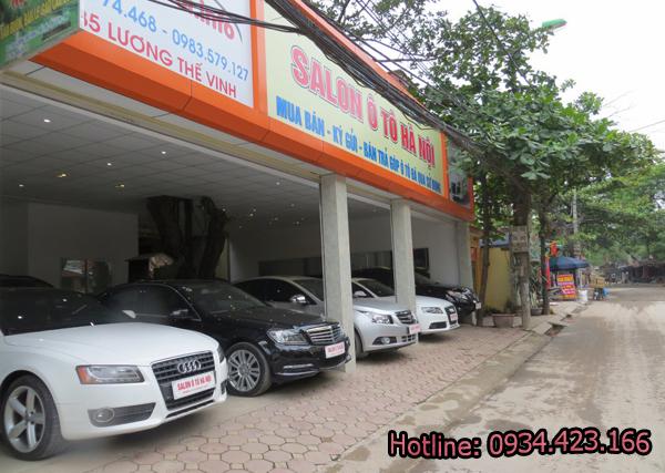 phun-suong-showroom-o-to-3